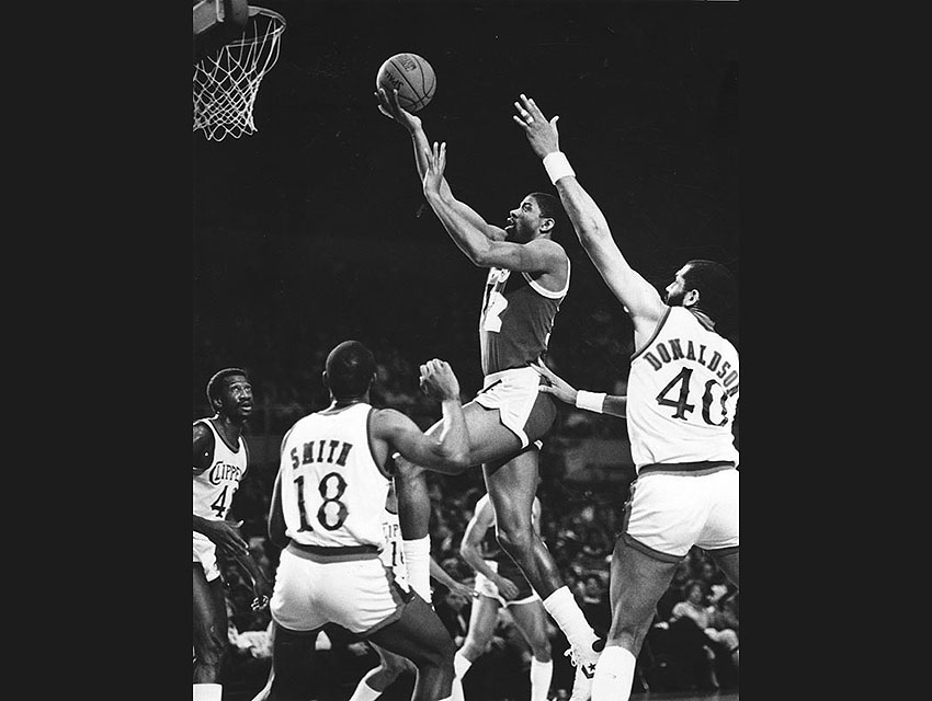 The Lakers play the Clippers in 1985
